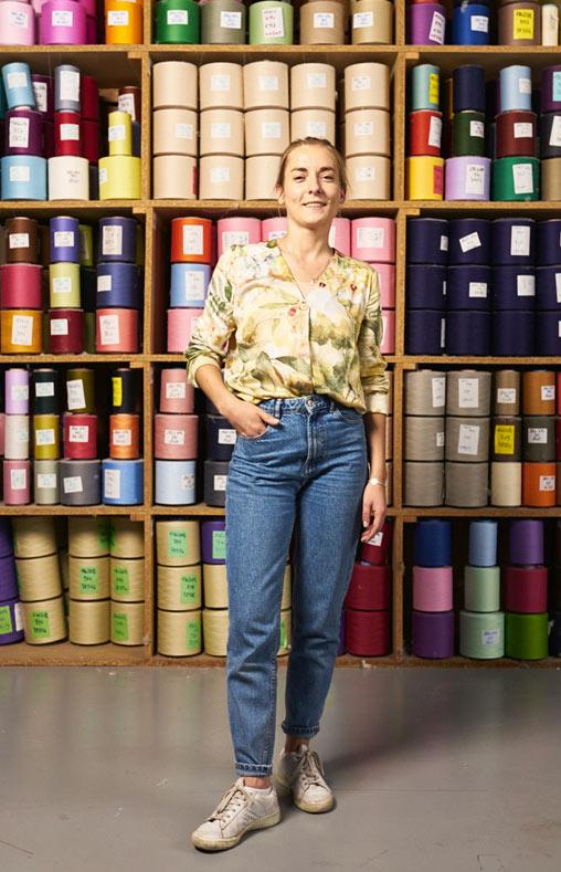 Céline chef de produit création chez Emanuem Lang, Entreprise textile basée en Alsace