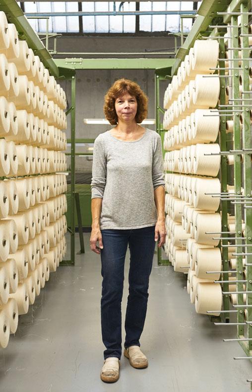 Claudine ourdisseuse chez Emanuel Lang, Entreprise textile basée en Alsace