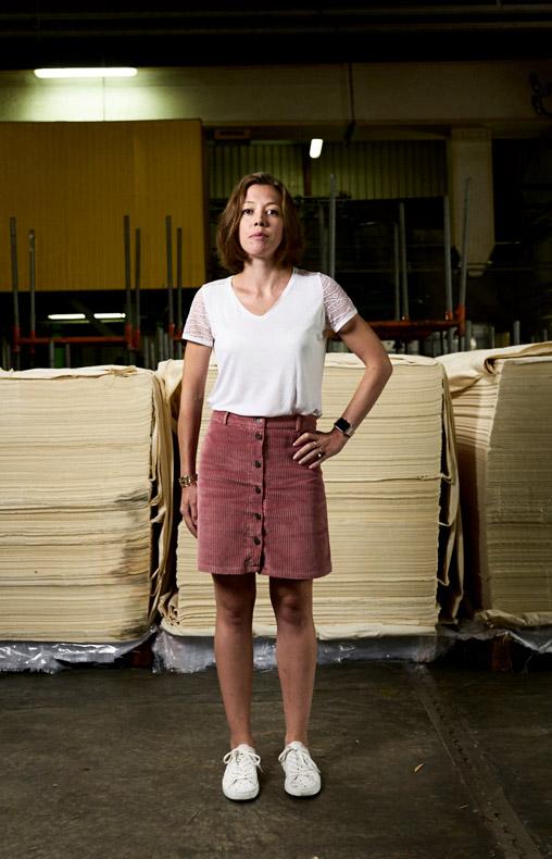 Clémence responsable des écrus chez Velcorex, Entreprise textile basée en Alsace