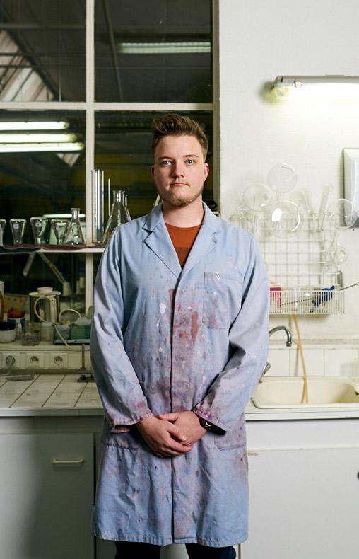 Victor, laborantin chez Velcorex, Entreprise textile basée en Alsace